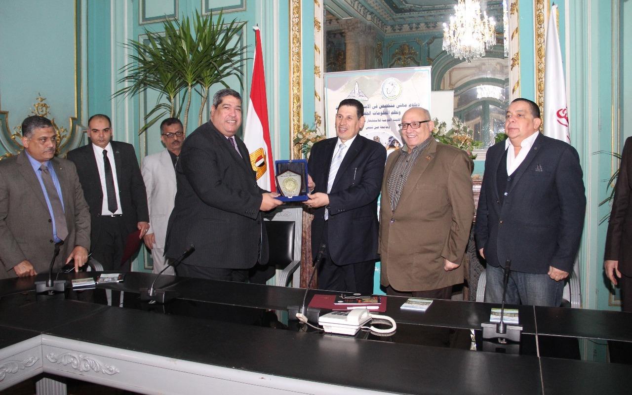 بروتوكول تعاون بين جامعة عين شمس والهيئة القومية لعلوم الفضاء