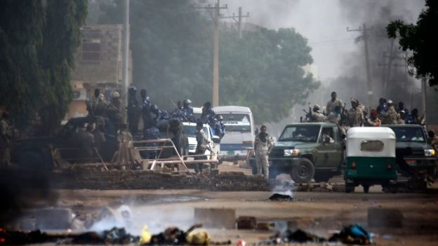 ارتفاع حصيلة قتلى فض اعتصام الخرطوم إلى تسعة أشخاص