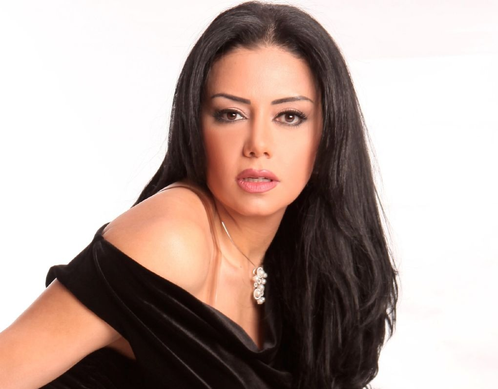 بسمة وهبة لـ «رانيا يوسف»: بتقلدي كيم كاردشيان.. والأخيرة ترد (فيديو)