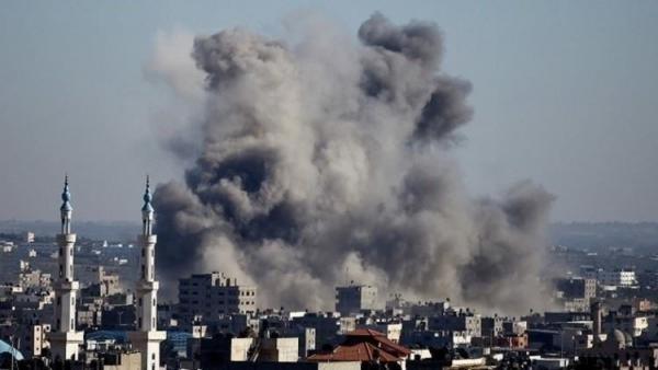 طيران الاحتلال الإسرائيلي يقصف قطاع غزة