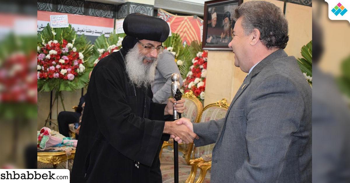 رئيس جامعة بنها يزور الكاتدرائية ويؤكد: لن تستطيع المؤامرات النيل من نسيج الأمة