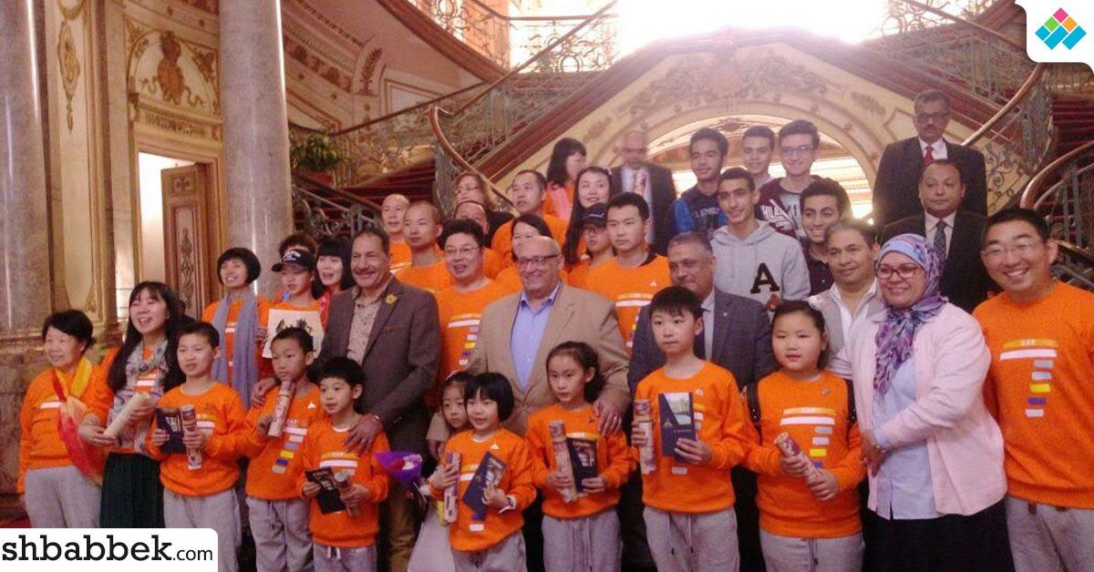 رئيس جامعة عين شمس يحكي لوفد أطفال الصين تاريخ جامعة «أون»