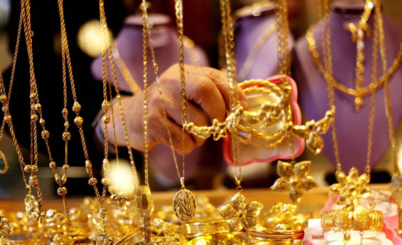 الذهب يتراجع في تعاملات الجمعة 1 ديسمبر 2017