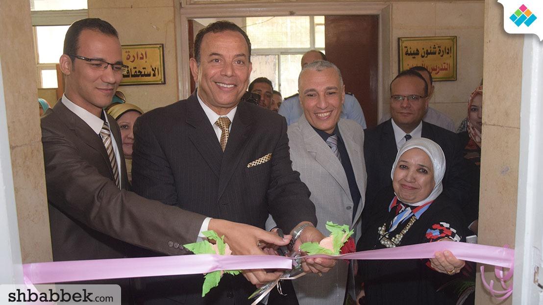 رئيس جامعة المنوفية يفتتح مركز الخدمات الطلابية بكلية الآداب
