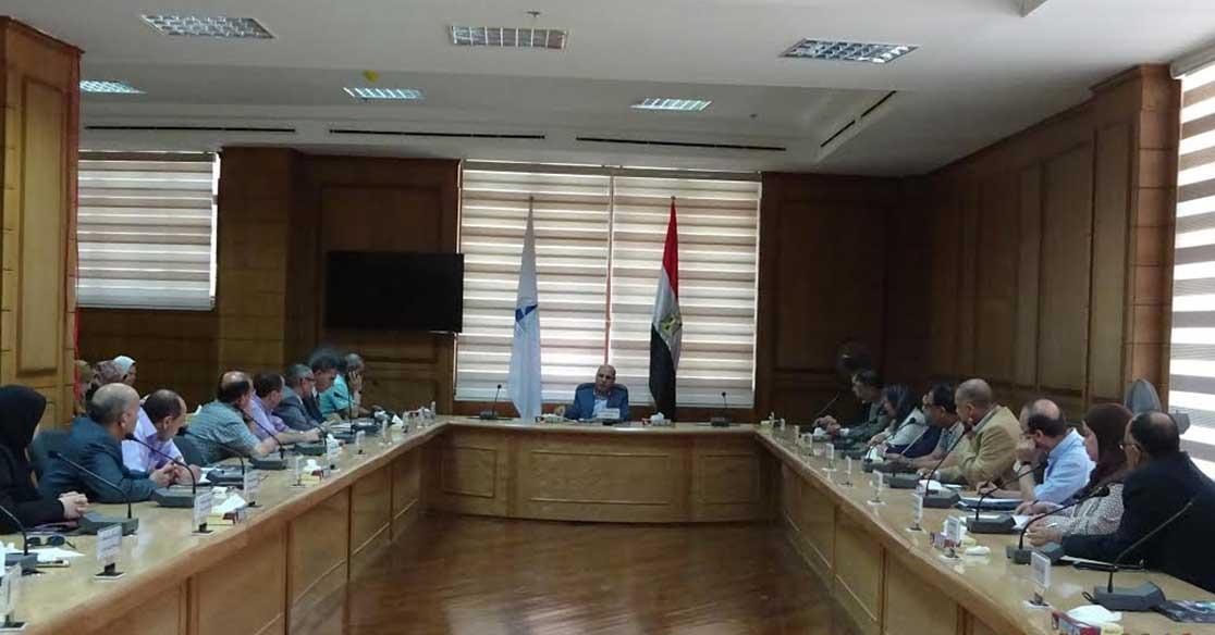 مجلس عمداء جامعة كفرالشيخ يناقش استعدادات العام الدراسي الجديد