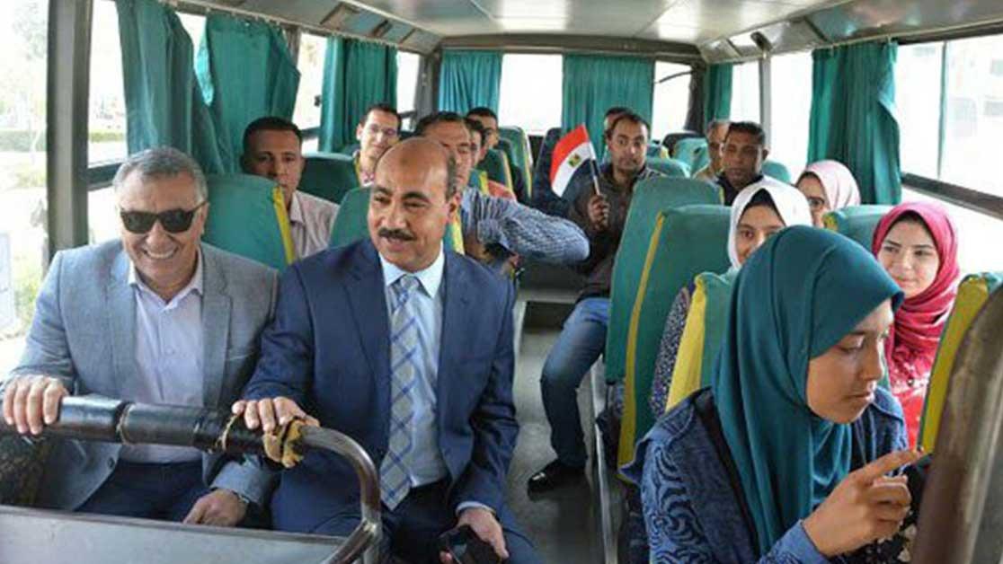 رئيس جامعة الفيوم يصطحب الطلاب لمقرات لجان الانتخابات الرئاسية