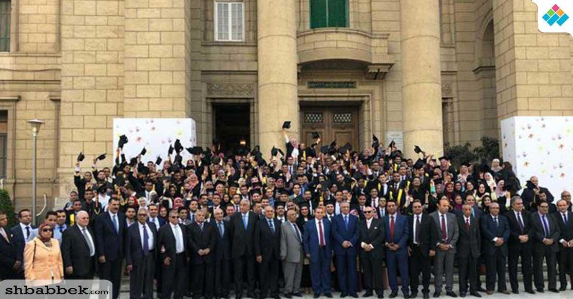 عميد حقوق القاهرة للطلاب: استفيدوا من علوم الكلية وطبقوا العدل والحق