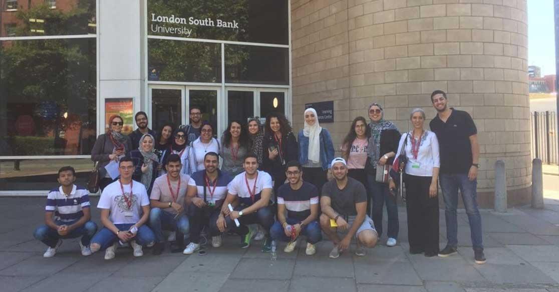 وفد من طلاب الجامعة البريطانية في مصر يسافر للدراسة بـ«لندن ساوث بانك» (صور)