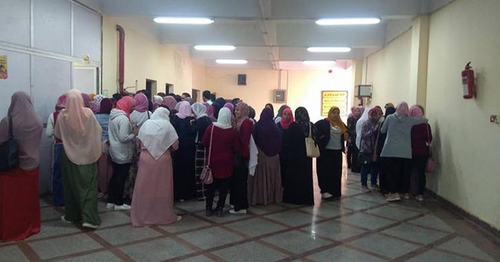 إقبال كبير من طلاب كلية التمريض على انتخابات الاتحاد بجامعة بنها