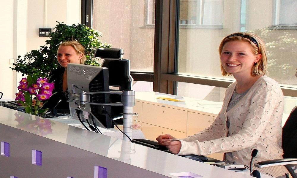 فندق «الفورسيزون» يعلن عن حاجته لموظفين استقبال