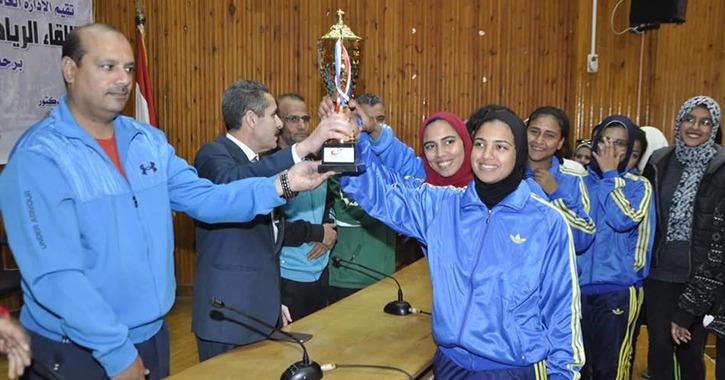توزيع جوائز مارثون الدرجات بجامعة قناة السويس.. تعرف على الفائزين
