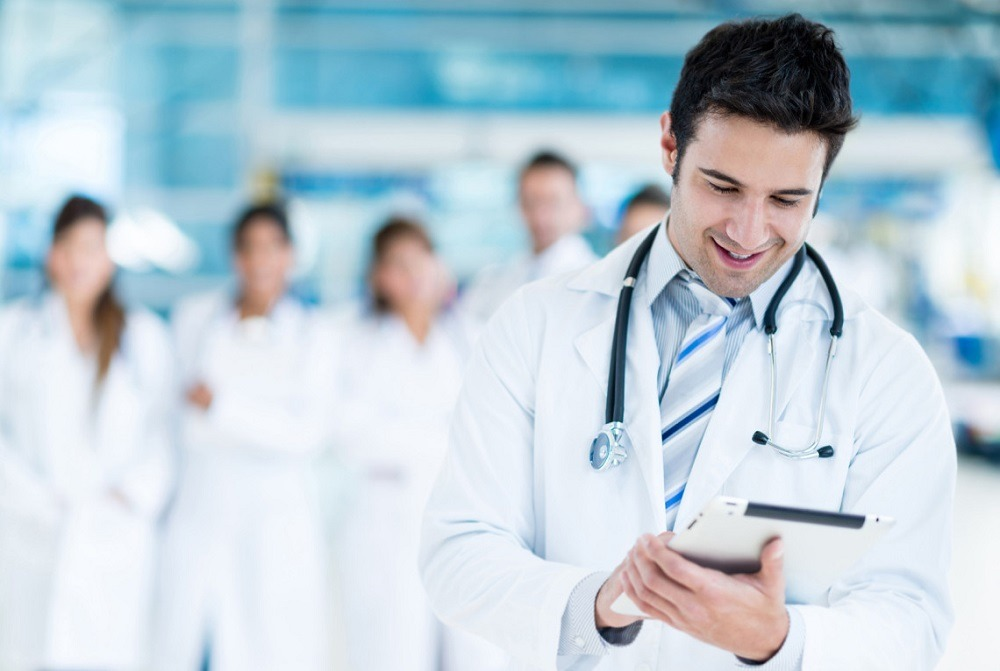 وظائف أطباء.. مستشفى خاص يطلب أطباء حديثي التخرج