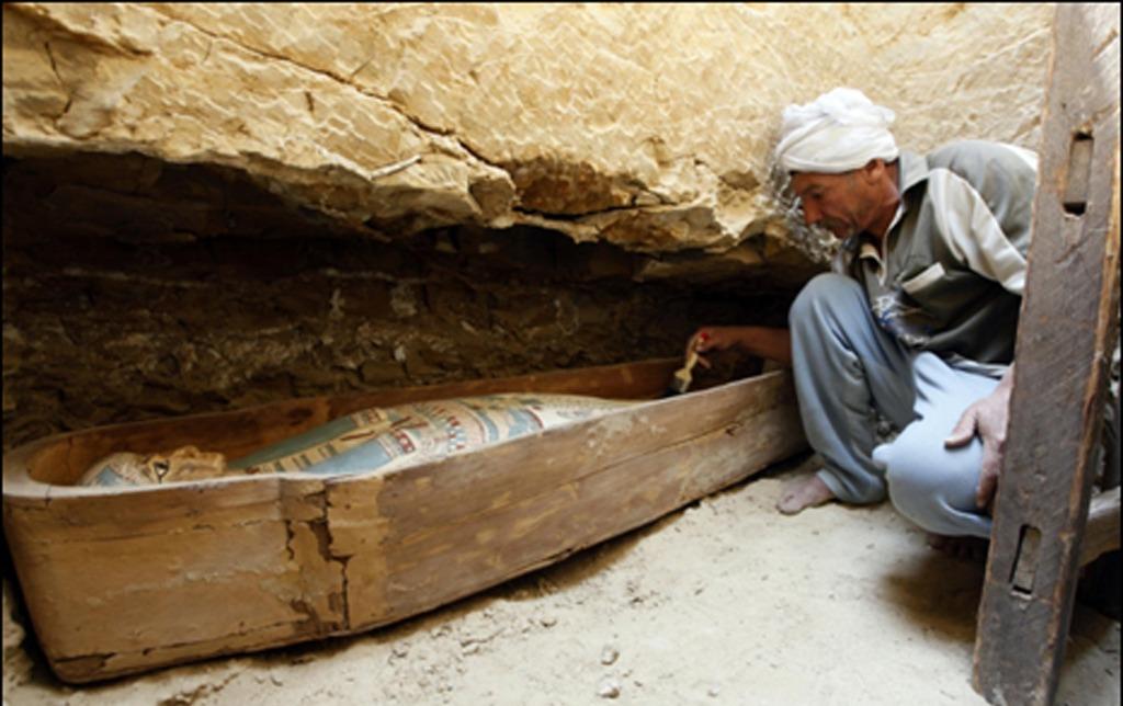 «مطهر الملك خفرع».. اكتشاف أثري جديد في الهرم 40% منه مسروق