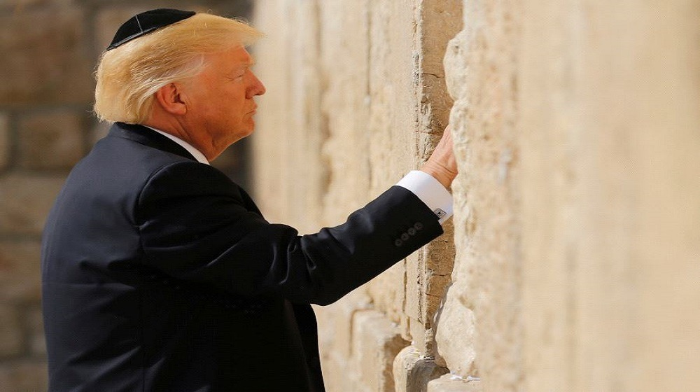 http://shbabbek.com/upload/حتى اليهود عارضوا ترامب.. حاخامات ومنظمات يهودية يرفضون نقل سفارة أمريكا للقدس