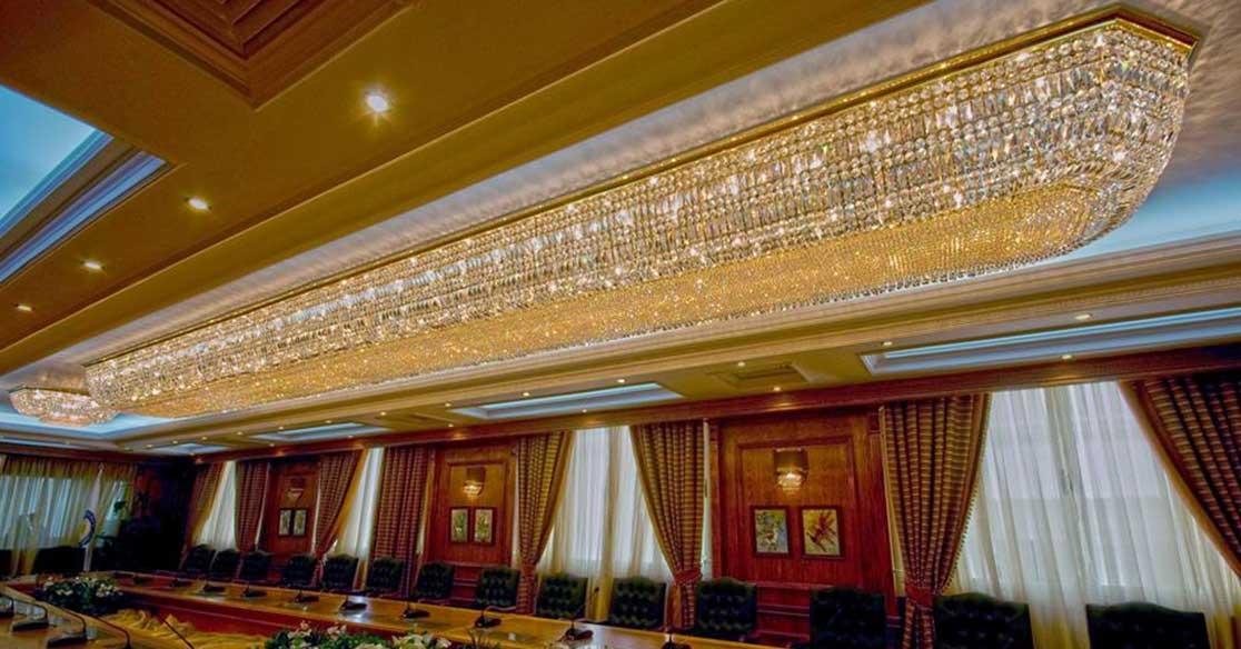 هجوم على المجلس الأعلى للجامعات بسبب «نجفة» مطلية بالذهب