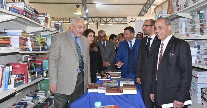 افتتاح أول معرض للكتاب في جامعة السادات