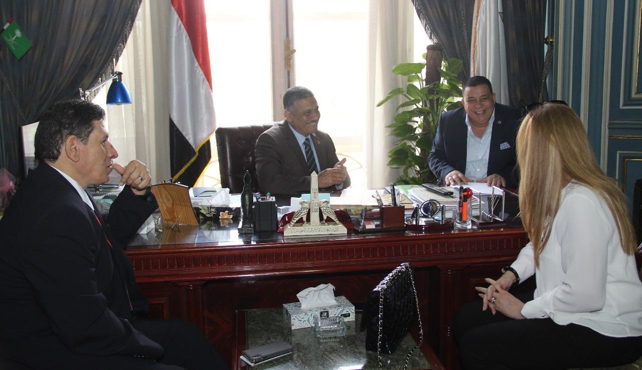 جامعة عين شمس تبحث سبل التعاون مع نادي روتاري القاهرة