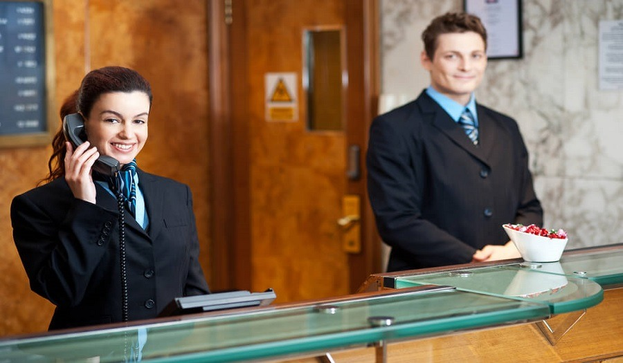 فنادق ومنتجعات «كونراد» تطلب موظفين استقبال