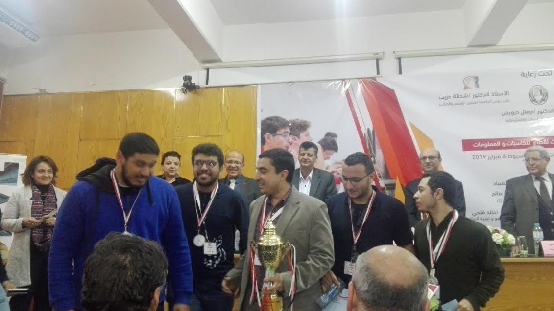 طلاب حاسبات عين شمس يحصدون المركز الثاني في أولمبياد الجامعات