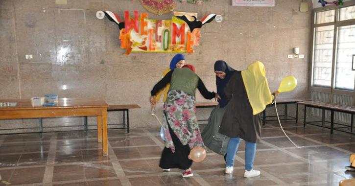 في يوم «الفلانتين».. عميد «حاسبات المنيا» يشارك الطلاب الألعاب الترفيهية والرياضية