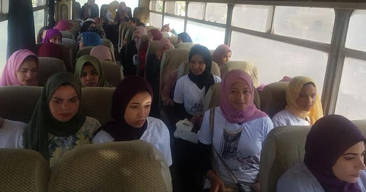 جامعة المنيا تخصص أتوبيسات لنقل الطلاب إلى لجان الاستفتاء
