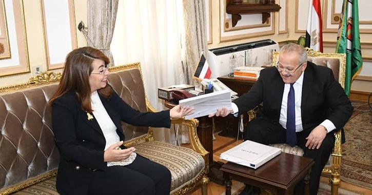 رئيس جامعة القاهرة يبحث مع وزيرة التضامن مشروع «مودة» لتأهيل المقبلين على الزواج