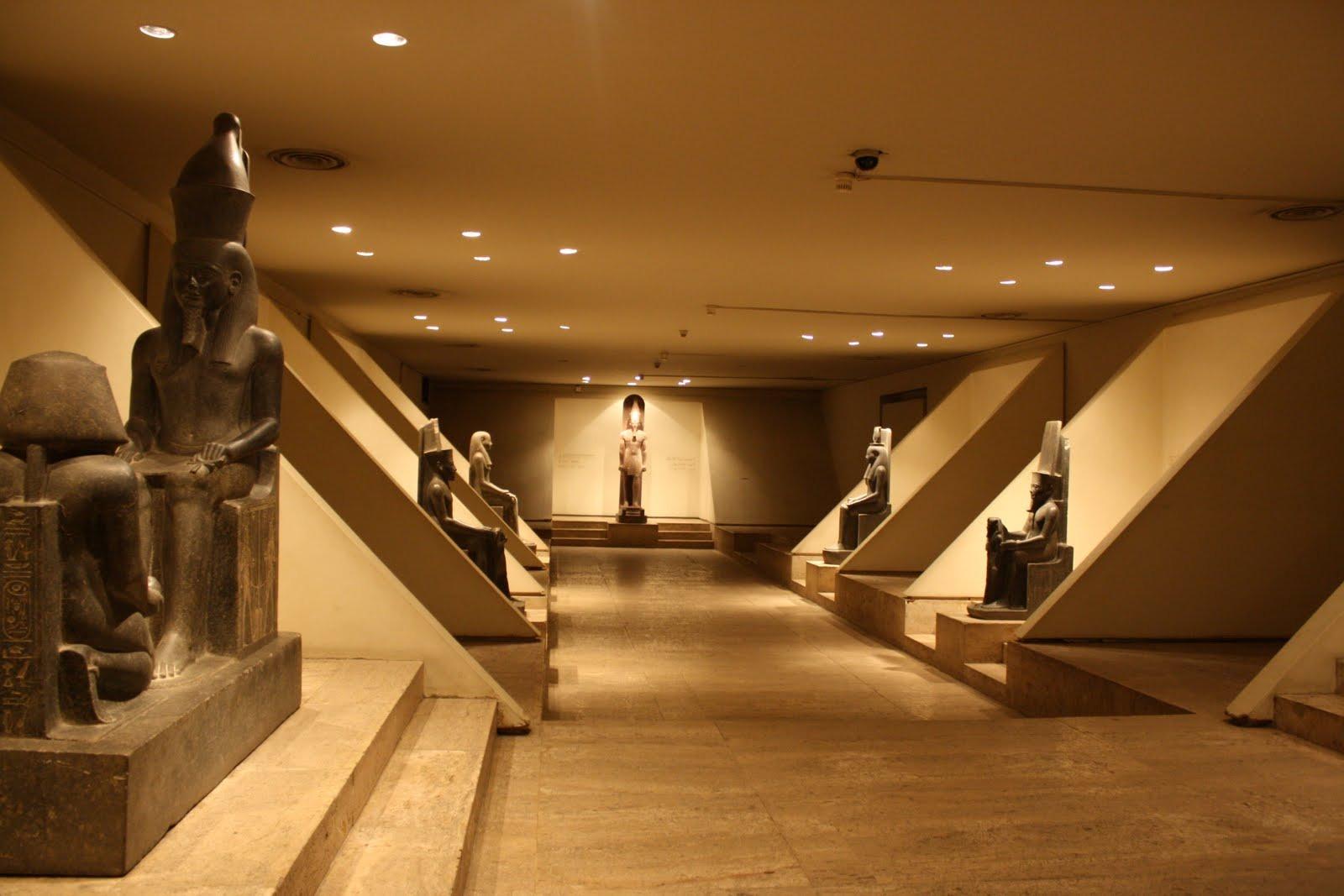 متحف الأقصر.. يغريك بالدخول إلى عالم الآثار النادرة والخفية للفراعنة