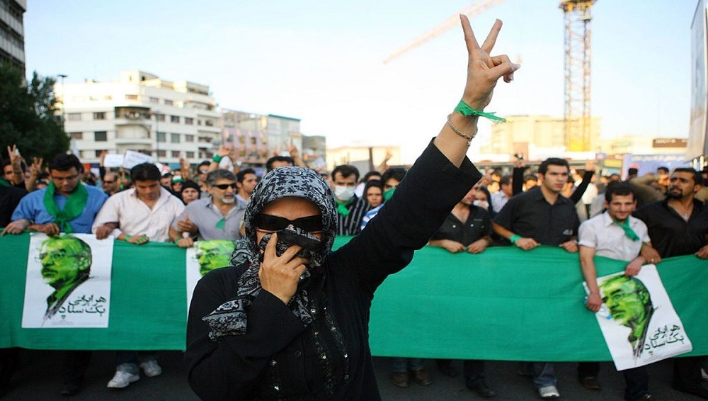«الحركة الخضراء» في إيران.. هل تقف تظاهرات 2009 وراء احتجاجات اليوم؟