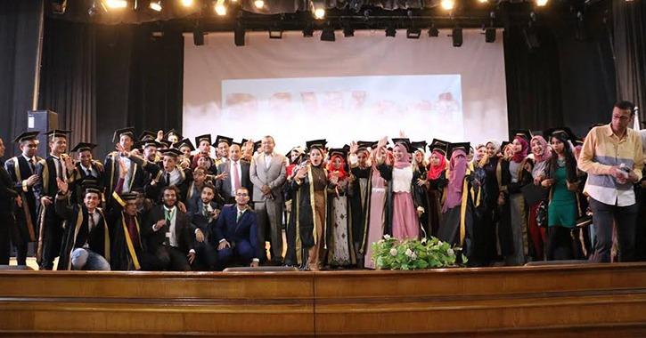 رئيس جامعة بني سويف يشهد حفل تخرج الدفعة 31 من طلاب كلية العلوم