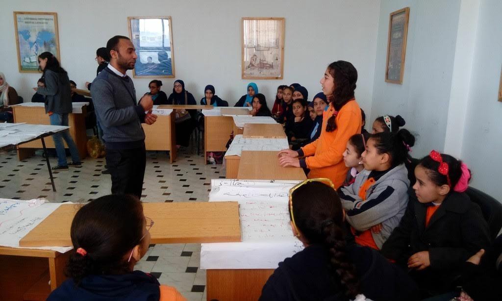 جامعة المنيا تدرب طلاب المدارس على الخزف والطين الأسواني