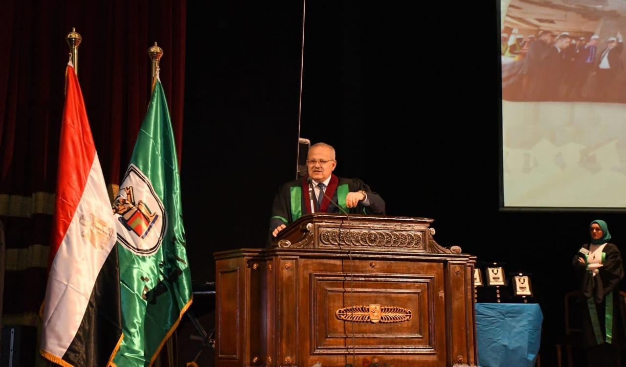 رئيس جامعة القاهرة: نطور المعامل بـ17 مليون جنيه لخدمة الباحثين