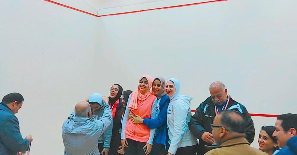 فوز جامعة المنيا بالميدالية الذهبية في مسابقة الاسكواش بأسبوع شباب الجامعات