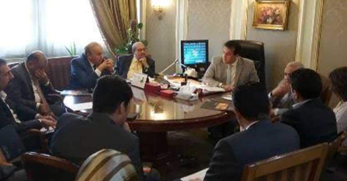وزير التعليم العالي يلتقي المستثمرين المعنيين بإنشاء الجامعات الأجنبية في العاصمة الجديدة