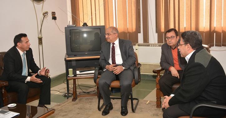 رئيس جامعة أسيوط: تعاون حكومي ومجتمعي للانتهاء من المشروعات الكبرى