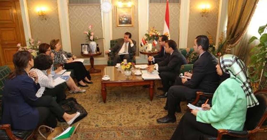 وزير التعليم العالي يضع خطة تعاون مشترك مع السفير الفرنسي بالقاهرة