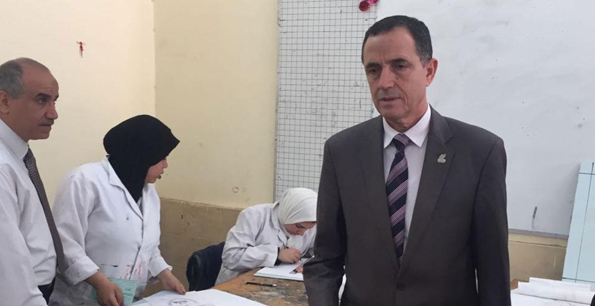 نائب وزير التربية يتفقد سير الامتحانات العملية لطلاب التعليم الفني