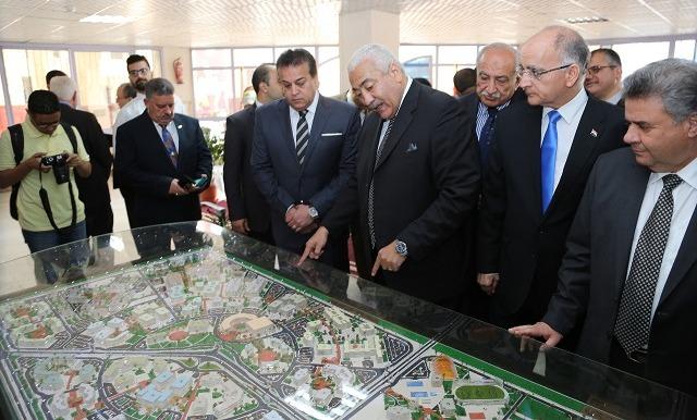 وزير التعليم العالي يزور جامعة مدينة السادات