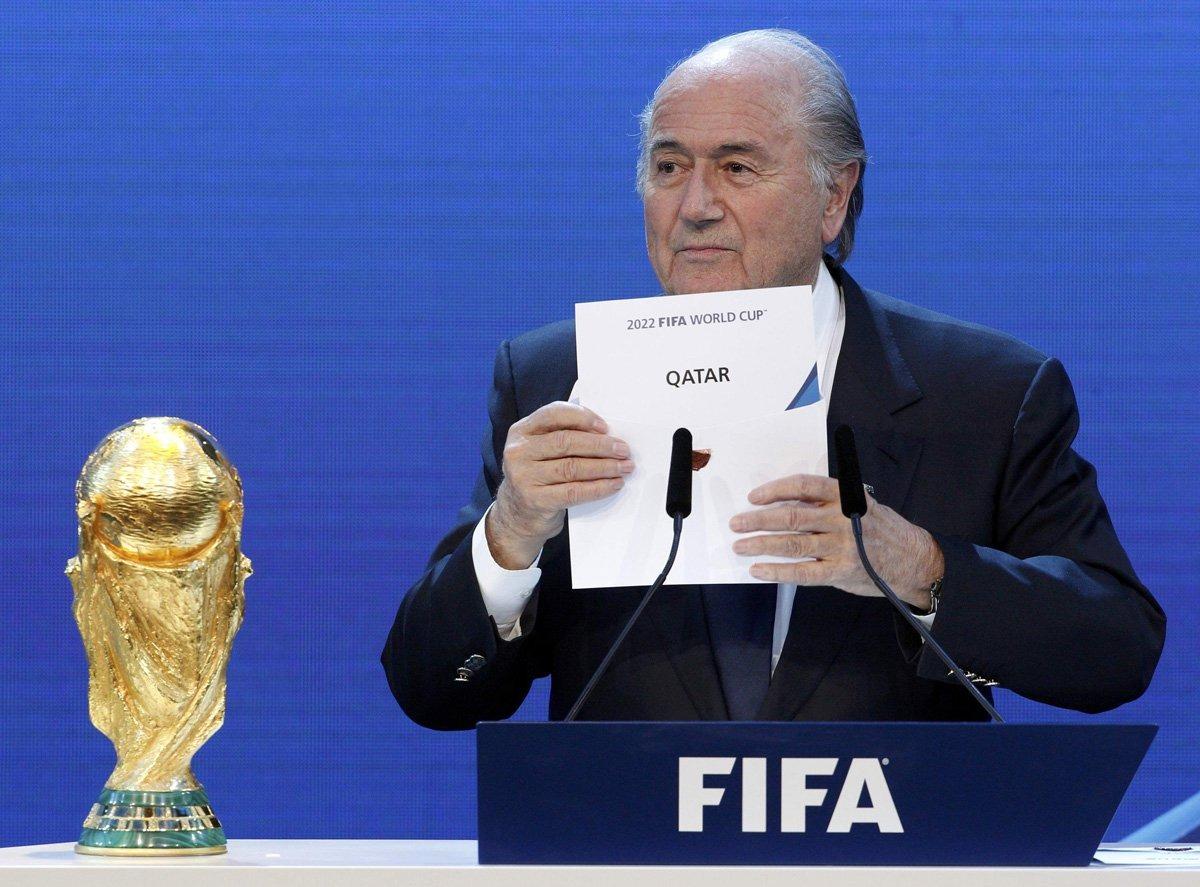 دول عربية تطالب بسحب مونديال 2022 من قطر.. الفيفا يرد