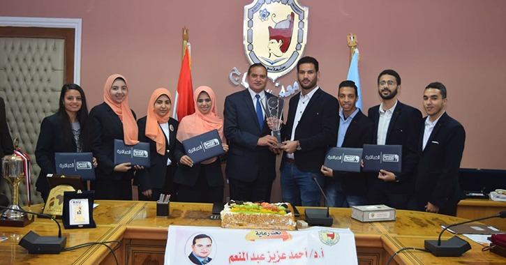 جامعة سوهاج تحصد المركز الثاني على مستوي الجمهورية في برنامج «العباقرة»
