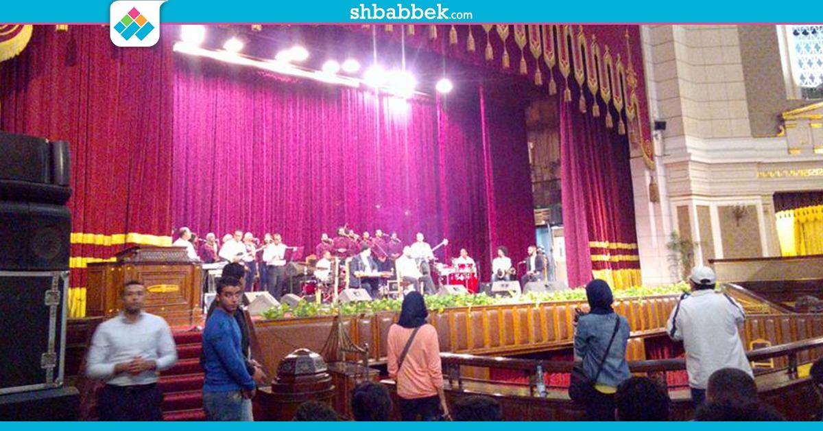 فريق «داكابو باند» على مسرح جامعة القاهرة