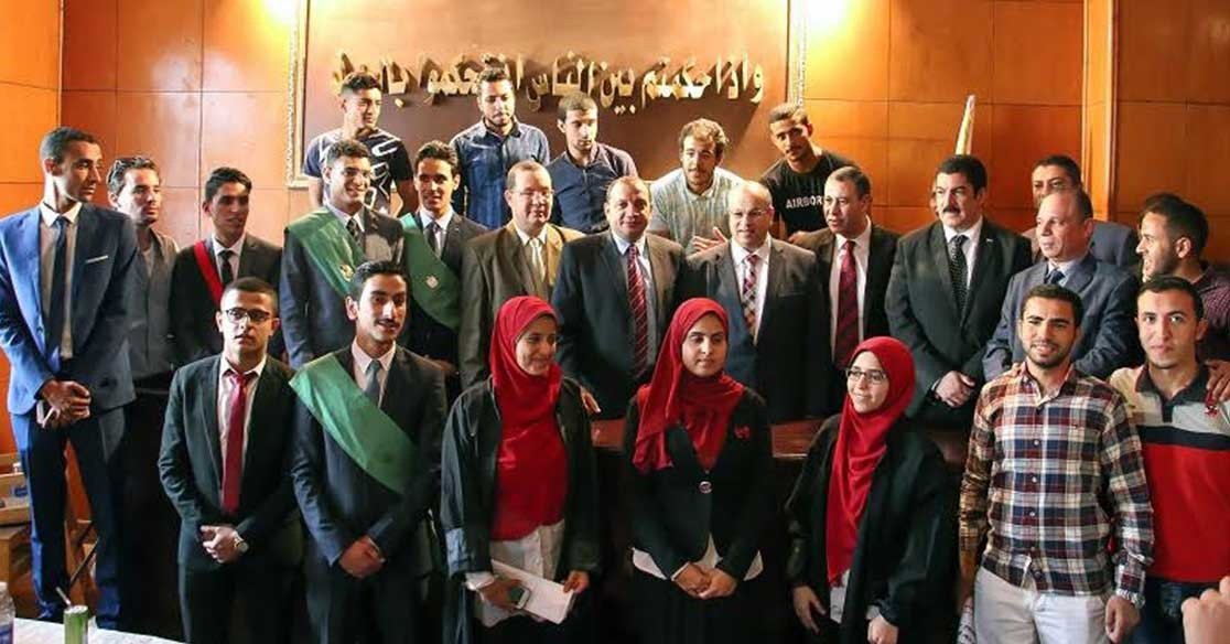 محاكمة صورية في جامعة بني سويف لتدريب طلاب كلية الحقوق