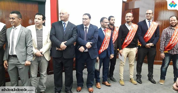 رئيس اتحاد طلاب جامعة بنها يُكرم رؤساء الاتحاد السابقين
