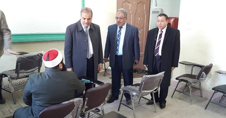 رئيس جامعة الأزهر يتفقد لجان طلاب فرع الدراسة (صور)