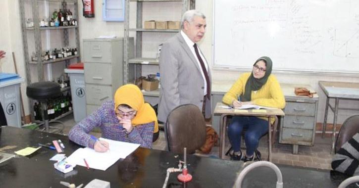 نائب رئيس جامعة طنطا يتفقد لجان امتحانات الكليات العلمية