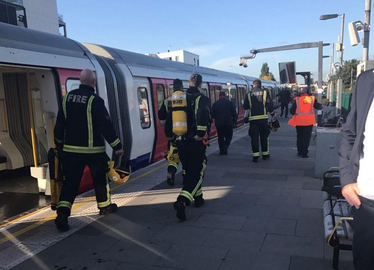 http://shbabbek.com/upload/انفجار في مترو الأنفاق بـ«لندن».. (فيديو وصور)