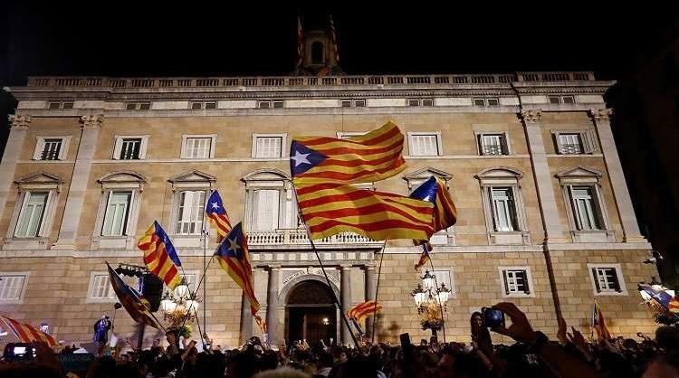 قمع سياسي ورياضي.. لهذه الأسباب أعلنت كتالونيا الانفصال عن إسبانيا