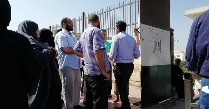 مشاجرة بين الأهالي والأمن أمام جامعة الأزهر بالقاهرة
