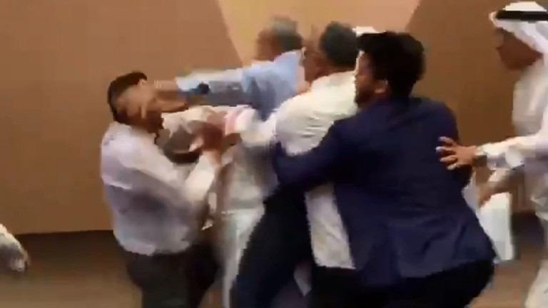 بلاغ للنائب العام بشأن «التعدي على مواطن مصري في البحرين»