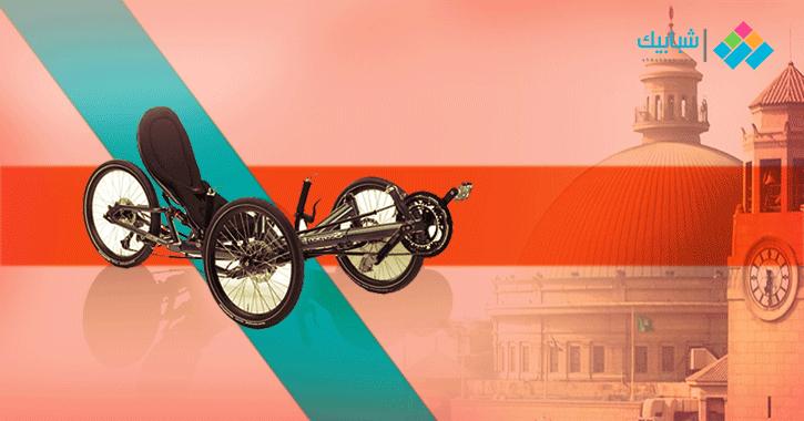 طلاب من هندسة القاهرة يبتكرون دراجة بـ3 إطارات.. تقطع 75 كليو في الساعة