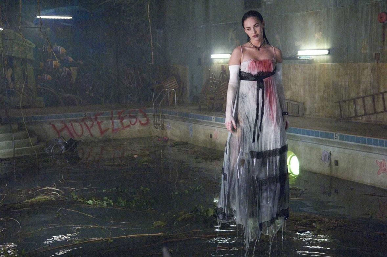 في  فيلم سهرة الخميس.. فتاة تقتل صديقتها الشيطانة